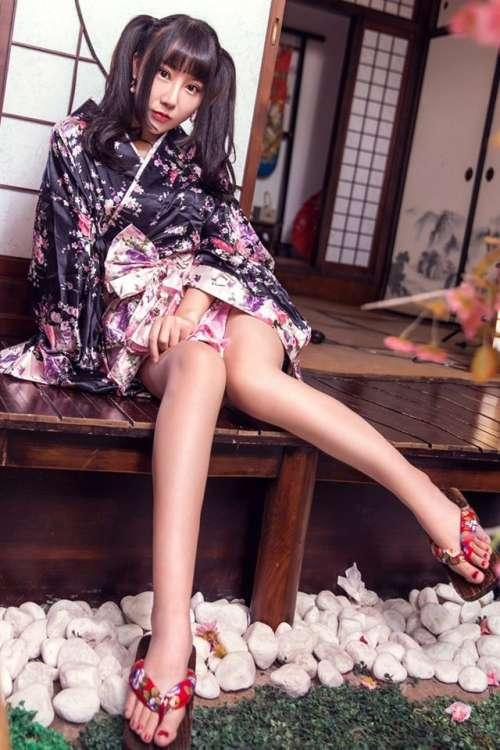 清纯和服少女性感写真手机壁纸