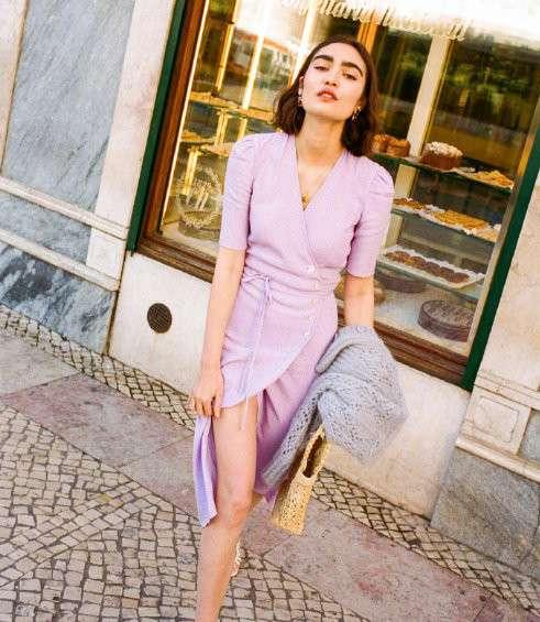 欧美美女图片 优雅的法式女孩享受明媚阳光图片