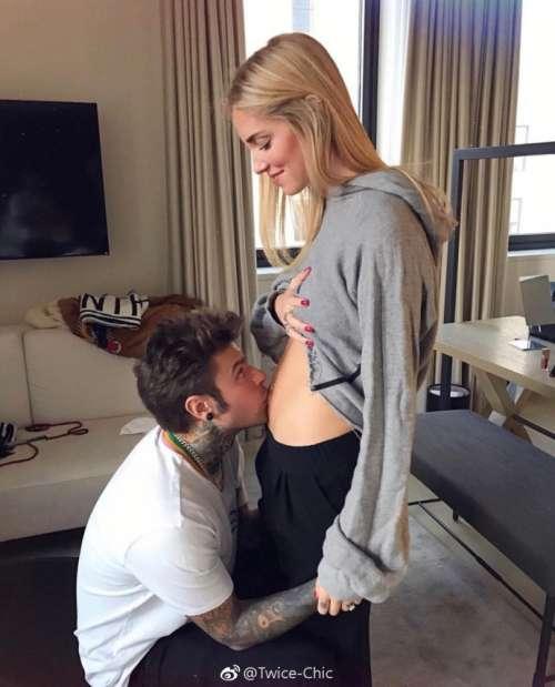 欧美美女宇宙博主Chiara Ferragni公布已怀孕5个月