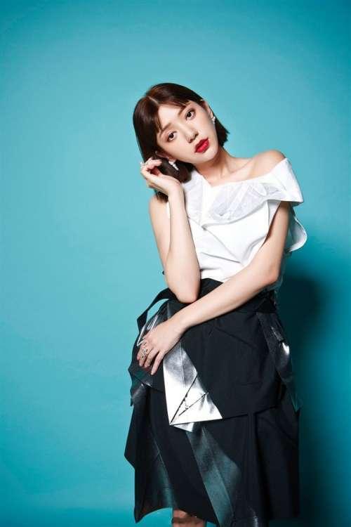 美女演员郭雪芙气质写真高清手机壁纸