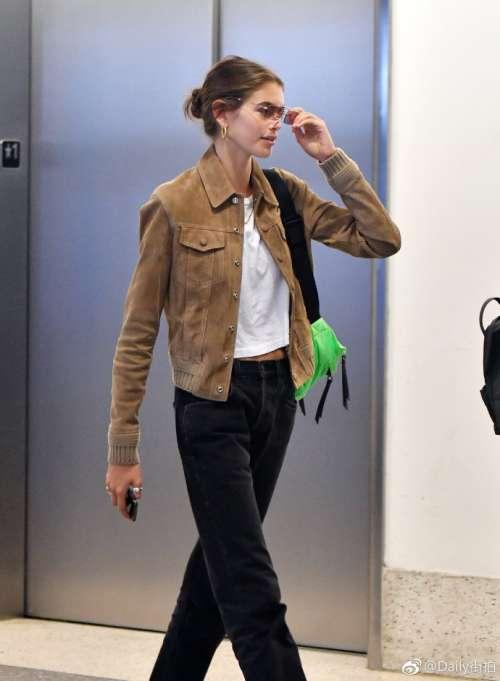 欧美新生代超模Kaia Gerber洛杉矶国际机场大长腿街