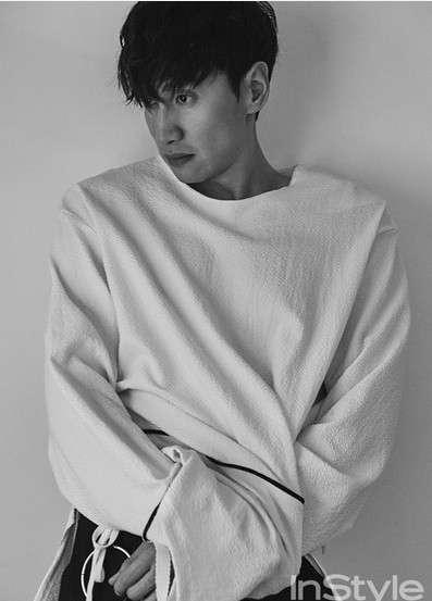 韩国男明星李光洙海报照真的太帅了