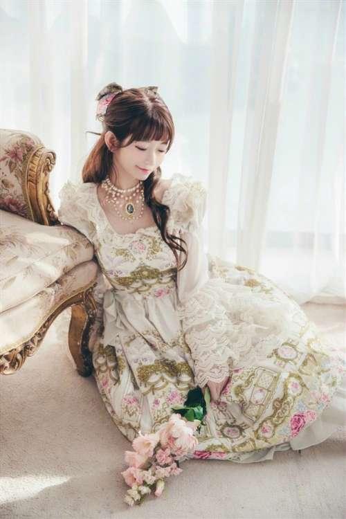 网红美女yurisa欧美复古风写真图片
