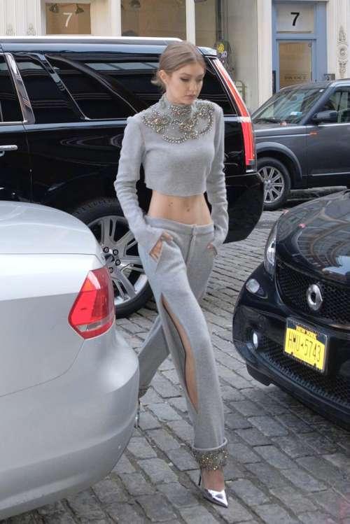欧美明星Gigi Hadid性感小蛮腰街拍照